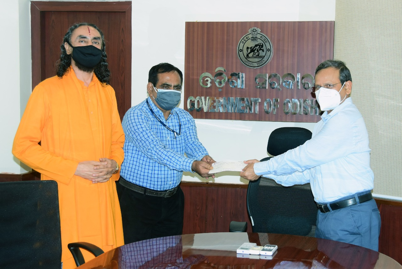 JKU Chancellor Donates 25 Lakhs To CM Relief Refund Odisha For COVID Relief